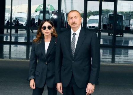İlham Əliyev və Mehriban Əliyeva yaralı hərbçilərə baş çəkdi